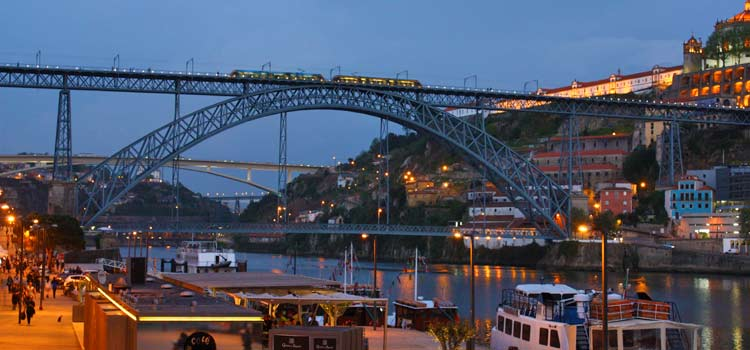 Is it safe to visit Porto?